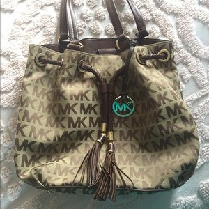 Michael Kors Signture Satchel Handbag